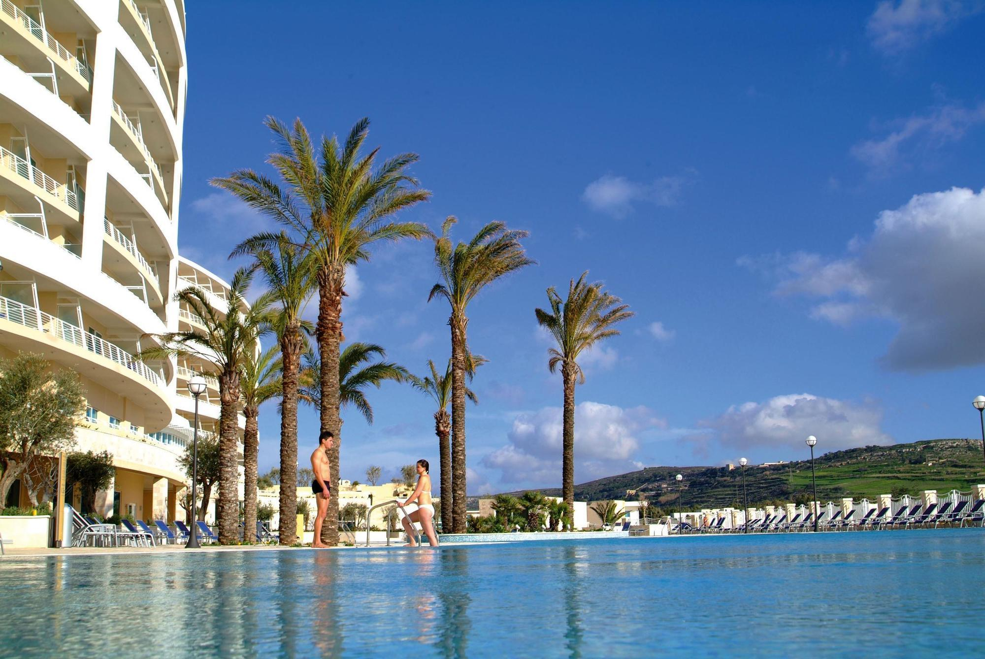 Radisson-Blu-Resort-Spa-Malta-Golden-Sands-photos-Exterior